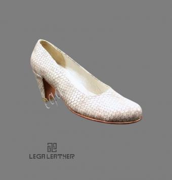 کفش مجلسی زنانه مدل لودشکا ایتالیا کرم براق